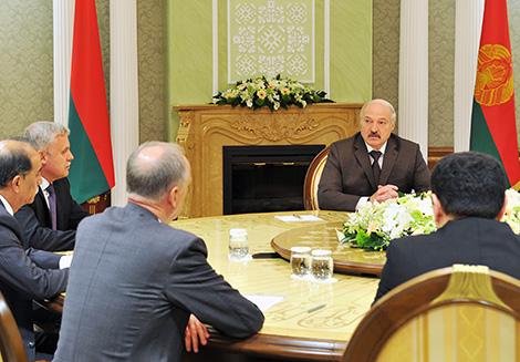 Лукашэнка: праблемы ў рэгіёне АДКБ неабходна вырашаць самастойна, без замежных палітбюро