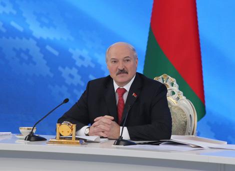 Лукашэнка: Ніякіх лагераў для бежанцаў у Беларусі не будавалі і будаваць не будуць