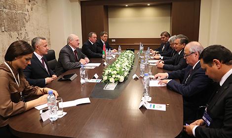Мірзіёеў запрасіў Лукашэнку наведаць з візітам Узбекістан у 2018 годзе