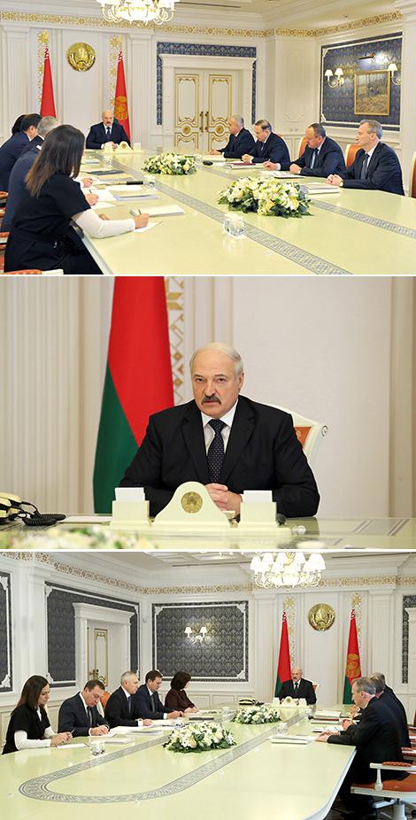 Лукашэнка адзначае праблемныя моманты з выканальніцкай дысцыплінай і работай са зваротамі грамадзян