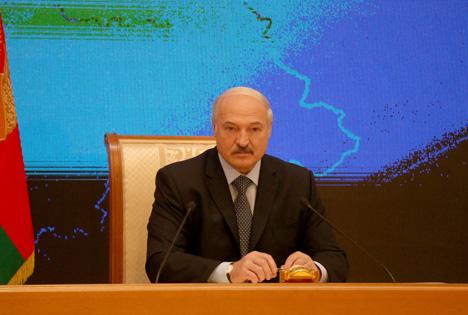 Лукашэнка: У момант вынасу сцяга Фомачкіным адчуваў адначасова расчараванне і радасць