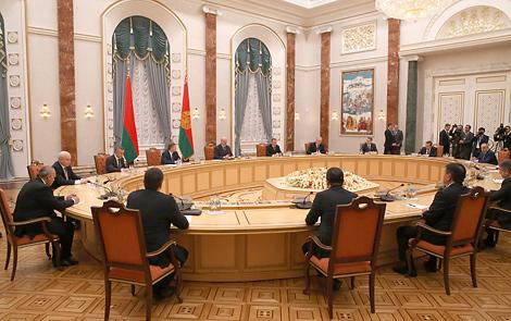 Лукашэнка выступае супраць фармалізму ў рабоце па ўдасканаленні дагавора аб ЕАЭС