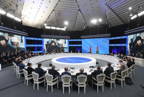 Лукашэнка: Аб'ёмы льготнага крэдытавання жылля будуць павялічвацца з ростам эканомікі