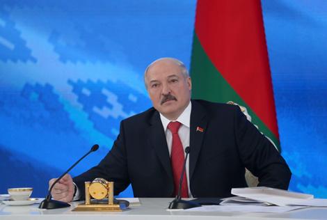 Лукашэнка: Аптымізацыя дзяржрасходаў праводзіцца пастаянна і пачынаецца з Прэзідэнта