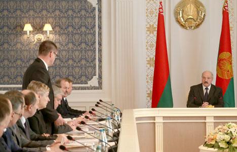 Аляксандр Лукашэнка на нарадзе па сітуацыі ў сельскагаспадарчай галіне