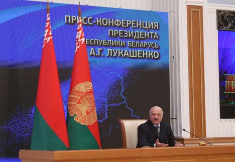 Лукашэнка засмучаны выступленнем футбольных зборных Беларусі і Расіі