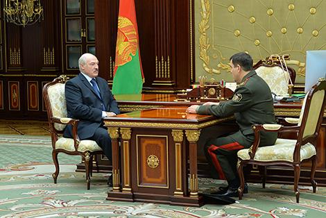 Лукашэнка прыняў з дакладам старшыню КДБ