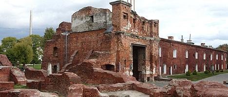 Вид на Тереспольские ворота Брестской крепости
