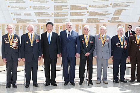 China President honors Belarusian war veterans