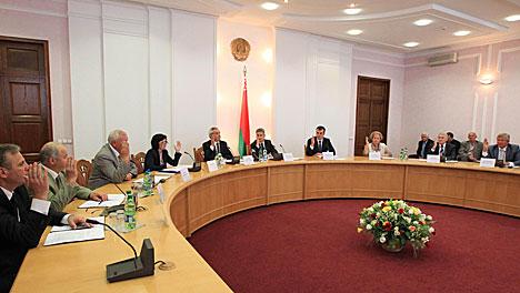 ЦИК Беларуси завершил регистрацию инициативных групп