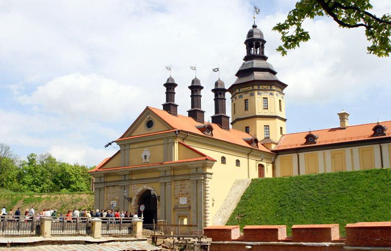 фото замка несвижского