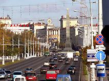 Вид на площадь победы со стороны улицы